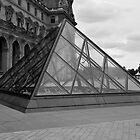 Musee du Louvre - Cour Napolon - Paris - Black and White by Yannik Hay