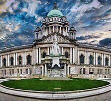 Belfast City Hall by Chris Cardwell