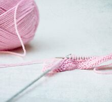 pink knitting by Hege Nolan