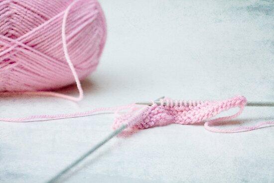 pink knitting by Hege Nolan