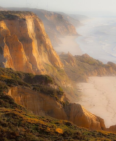 Cliffs. Vale Furado. Nazaré. by terezadelpilar~ art & architecture
