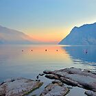 Luce della sera sul Lago di Garda by Martina Fagan