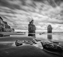 Three Sisters - Tongaporutu by Dean Mullin