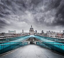 Millenium Bridge, London  by MartinWilliams