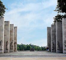War Memorial by Ray Chiarello
