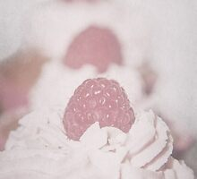 Three Cupcakes by Denise Abé
