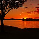 Lake Hume Sunset by Hedoff