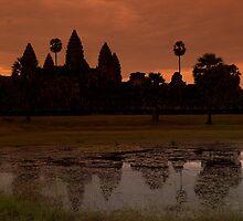 Angkor Wat by gamaree L