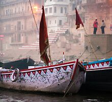 Misty Morning On The Ganges by phil decocco