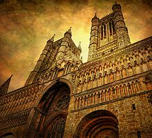 Lincoln Cathedral by Yhun Suarez