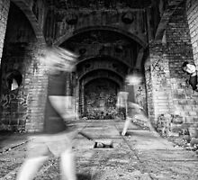Ghostly Halls by Tam  Locke