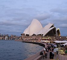 Sydney Opera House by Anne Scantlebury
