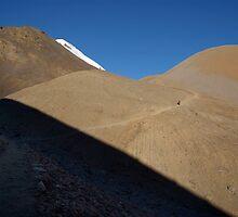 Morning Light Path to Thorung La by SerenaB