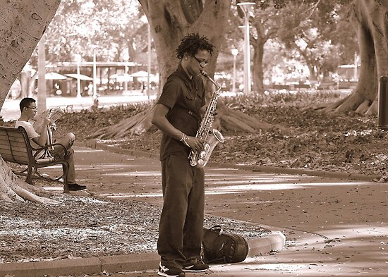 Take Five in Hyde Park Sydney by Stan Owen