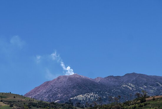 Turrialba Volcano, 3439HDR by mauvarca