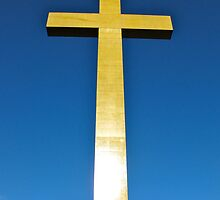 Mount Macedon Cross by Stephen  Shelley
