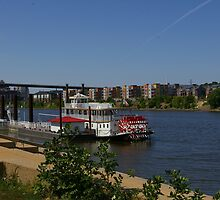 Mississippi Paddleboat by Tom  Reynen