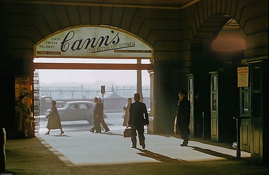 Canns Entrance Flinders Street station 1957 by Fred Mitchell
