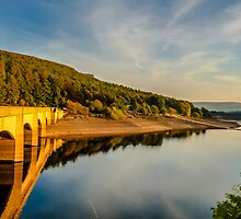 Ladybower Reservoir by Jose Vazquez