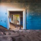 Forgotten Doorway by muzy