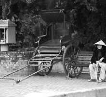 Old lady of Hoi An, Vietnam by mechelle142