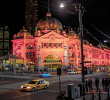 flinders by night by Robin Concorde