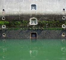 Ship's Lock at lake Grevelingen, the Netherlands by M. van Oostrum