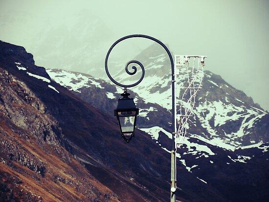 Montagne by Natasha M