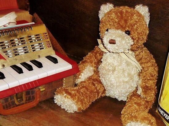 Musical Bear by Nadya Johnson