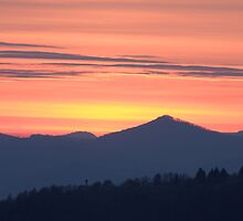 Mountain sunset by Ian Middleton