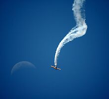 Matt Hall Aerobatics & Moon @ Amberley 2008 by muz2142