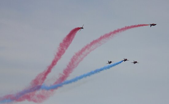 The Red Arrows 4 by Hovis