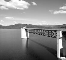 Hinze Dam Spillway Tower by Wayne  Nixon