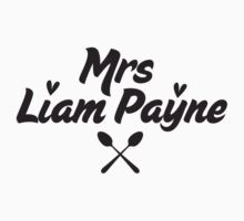 One Direction - Mrs Liam Payne tshirt by Adriana Owens