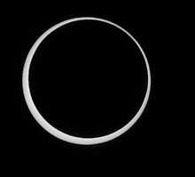 Annular eclipse II by zumi
