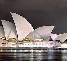 Sydney Opera House by yolanda