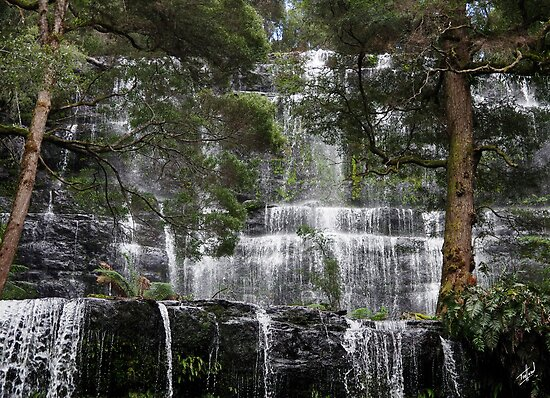 Russell Falls, short exposure by Traffordphotos