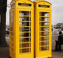 Telephone Yellow! by sarnia2