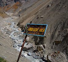 Landslide Area near Thorung Phedi by SerenaB