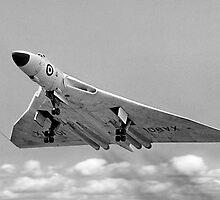 Avro Vulcan B.1 XA901 overshooting by Colin Smedley