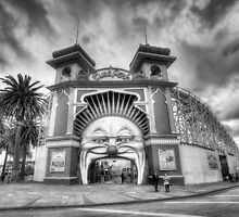 Luna Park - Melbourne (Black and White) by Richard  Cubitt