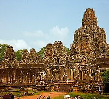 Angkor Thom Wat by phil decocco