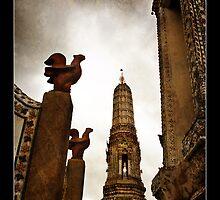 What Arun - Bangkok - Thailand by Malcolm Heberle