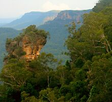 Orphan Rock at Katoomba by Michael Matthews
