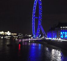 London Eye/(4 of 5) -(050712)- digital photo by paulramnora