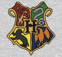 Hogwarts Crest by EmmaDotFox
