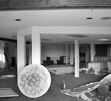 Abandoned Glades Inn by MonsterRot