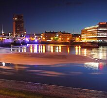 Night Photography - Belfast. by Fred Taylor