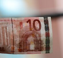 Bokeh Money by lorenzoviolone
