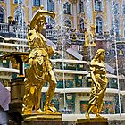 The fountains of Peterhof by eddiechui